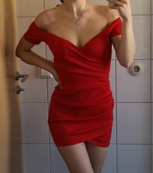 Fashionnova rotes Off-schoulder Kleid