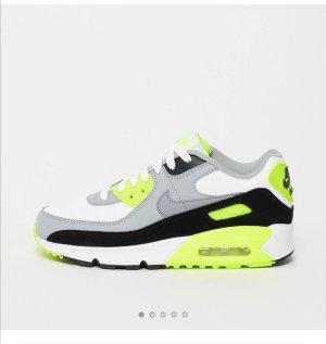 Fast neu sneakers, Nike Air max