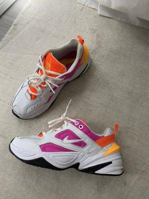 Fast neue M2K Tekno Nike