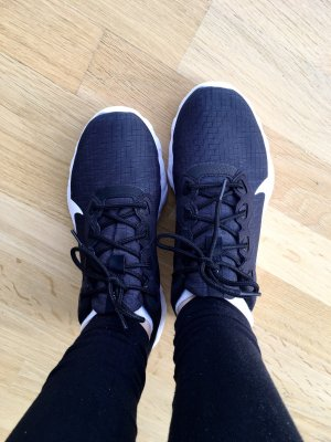 (Fast) Neue Nike Explore Strada 42,5 Damen