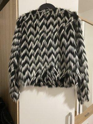 H&M Divided Chaqueta de piel sintética blanco-negro