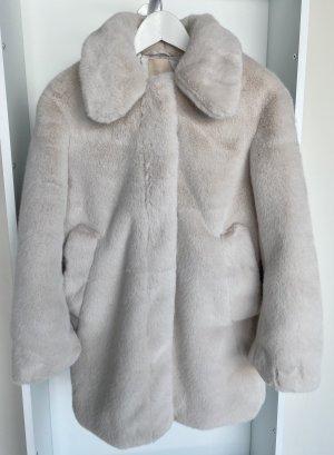 Faux-Fur Mantel in Naturweiß (ungetragen)