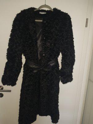 Faux-Fur-Mantel mit Kunstledergürtel