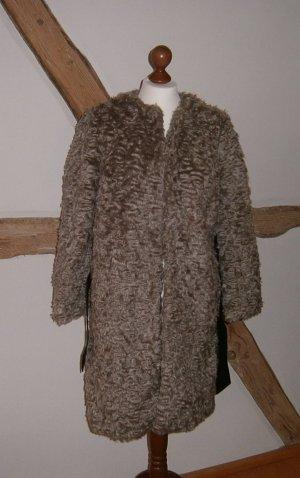 Faux-fur-Mantel von H&M - Größe 36 - neu und ungetragen - mit Gürtel