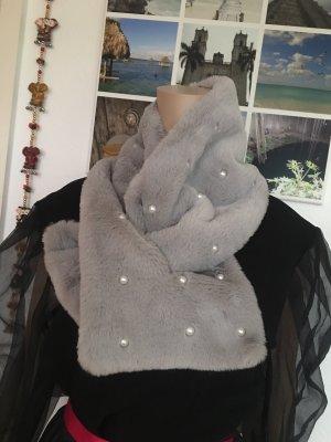 Faux Fur Schal