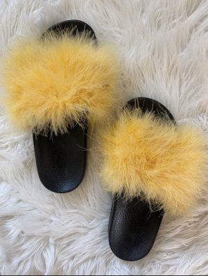 Faux Fur Slipper von Zara