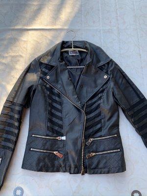 Faux-Leder Jacke mit goldenen Details