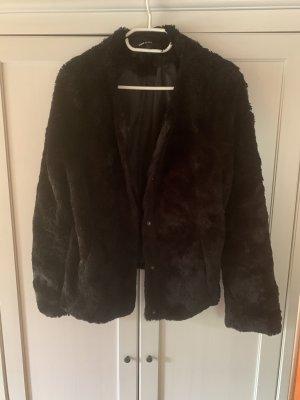 Vero Moda Kurtka ze sztucznym futrem czarny