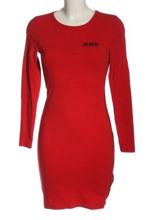 FB Sister Mini Dress red casual look