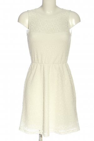FB Sister Mini Dress cream casual look