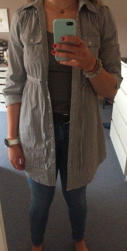fein gestreiftes Langarmhemd von H&M, Größe 34