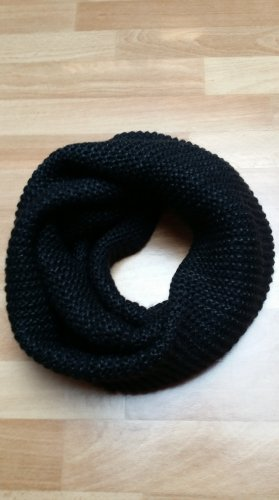 fein gestrickter Strickschal Rundschal in schwarz von H&M