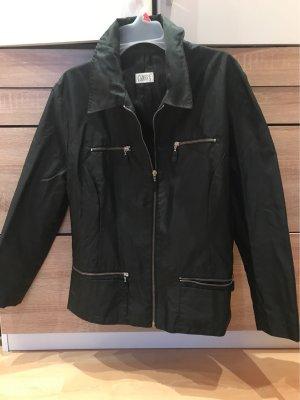 Feine schwarze Jacke