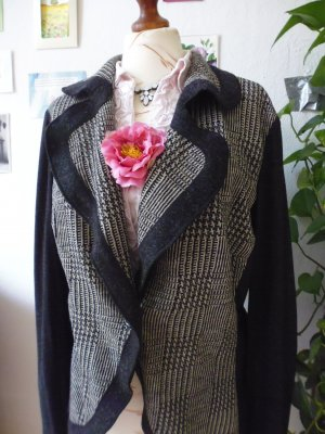FEINE STRICKJACKE * APANAGE *WOLLE*TOP