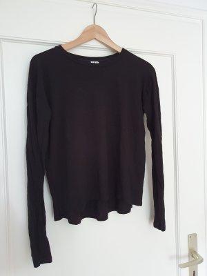 feiner schwarzer Pullover