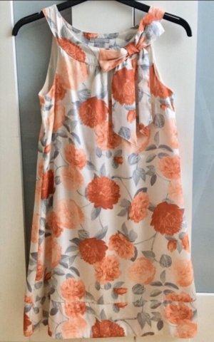 Feines Kleid für verschiedene Anlässe