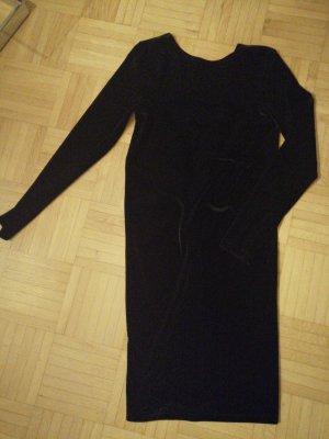 Feines Kleid mit Rückenausschnitt