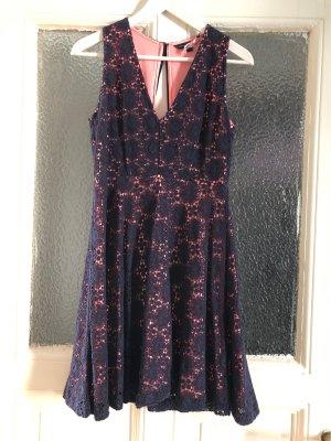 Feines Kleid von French Connection