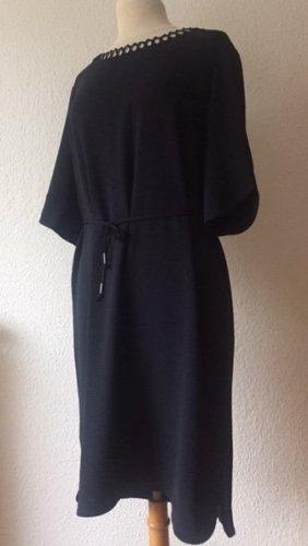 Feines Kleid von Hugo Boss, Gr. 42
