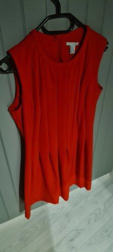 Feines rotes Kleid