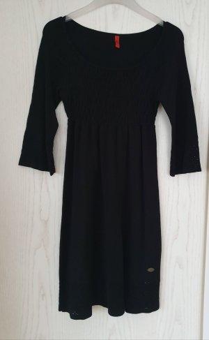 QS by s.Oliver Vestido tejido negro