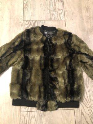 Zara Fur Jacket black-khaki