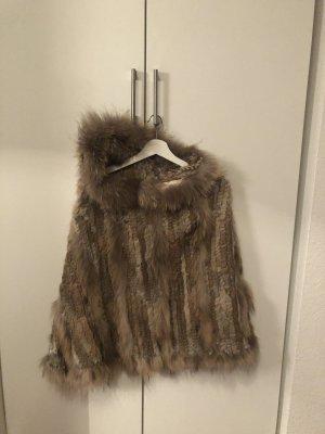 Abrigo de piel marrón claro-beige