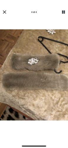Chapeau en fourrure crème-gris