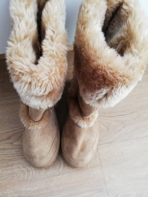 Futrzane buty beżowy