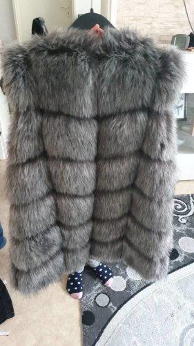 Chaleco de piel gris claro-gris