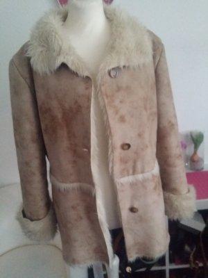Płaszcz ze sztucznym futrem beżowy