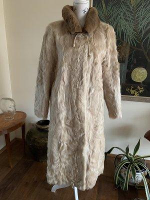 Futrzany płaszcz kremowy-jasnobeżowy