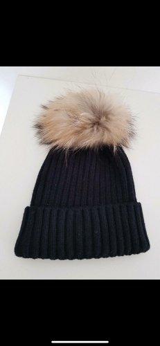 Cappello in pelliccia nero