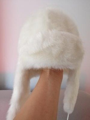 Chapeau en fourrure blanc
