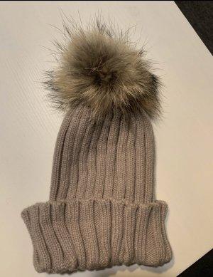 Futrzana czapka beżowy