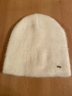 Opus Futrzana czapka w kolorze białej wełny