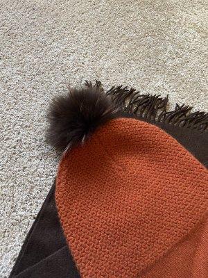 Chapeau en fourrure brun-orange foncé