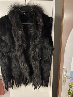 Fur vest black