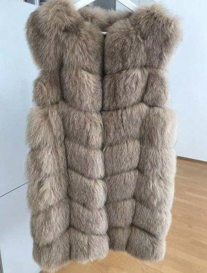 Fellweste aus Fuchs mit Taschen