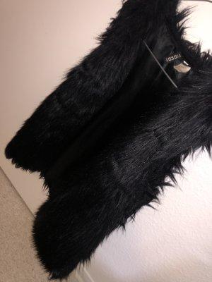0039 Italy Futrzana kamizelka czarny