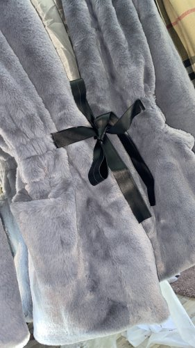 fashion Veste en fausse fourrure argenté-gris