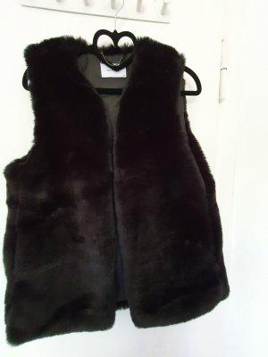 Reserved Fake Fur Vest black