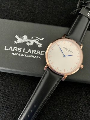 Lars Larsen Design Denmark Montre avec bracelet en cuir multicolore