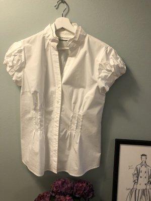 Feminine Bluse mit doppeltem Stehkragen, tailliert, Satingürtel