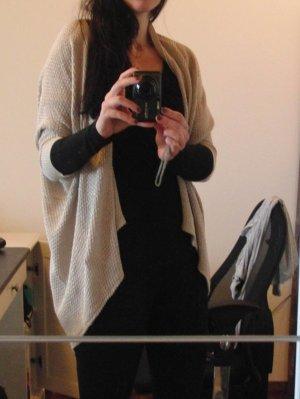 Feminine Strickhülle von AMISU - Gr. XS/S - beige - Glitzergarn