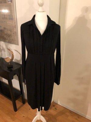 Feminines Jerseykleid mit kurzer Knopfleiste
