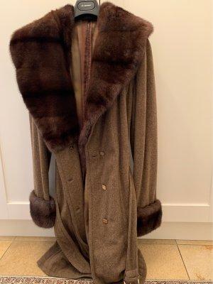 Fendi Manteau de fourrure bronze