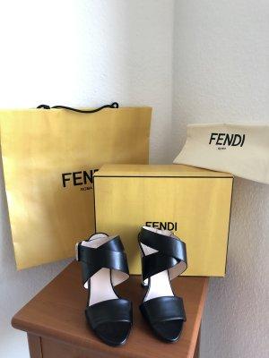 FENDI Sandalen mit buntem Absstz