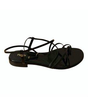 Fendi Sandals Lack Leder