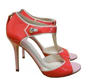 Fendi Zapatos de tacón con barra en T salmón Cuero